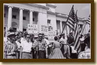 Photograph, Protesters at Arkansas State Capitol, August 20, 1959