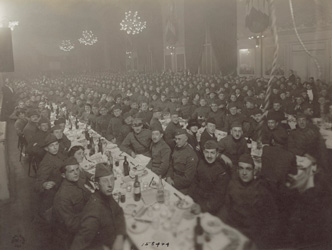 historical image of soldiers at Seder dinner