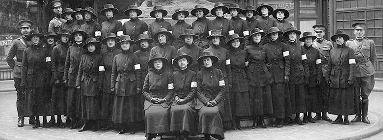 Women telephone operators in France, WWI