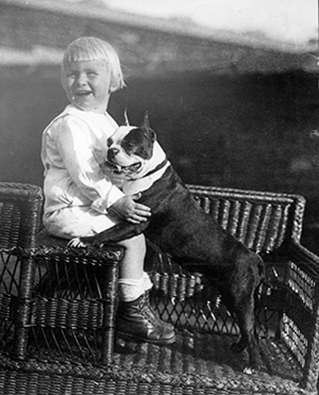 h0027-03-baby-ford-with-dog-m.jpg
