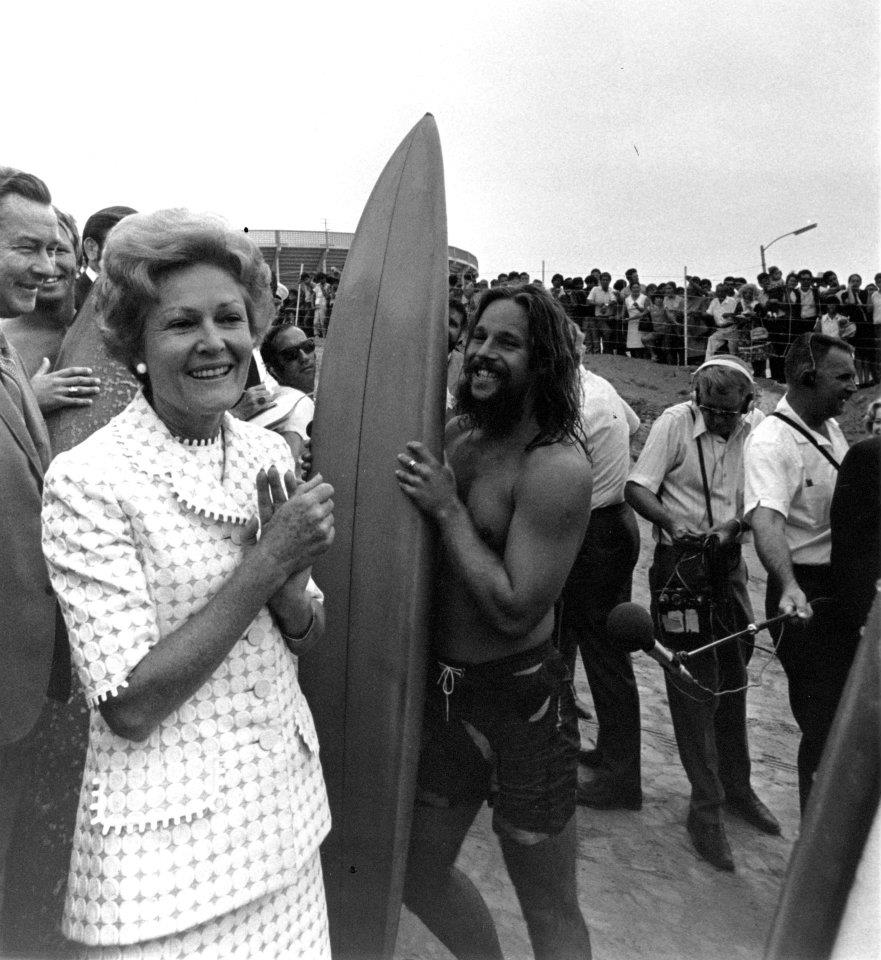 pat-nixon-surfer-convention-m.jpg