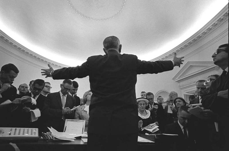 lbj oval office. President Lyndon Johnson Speaks To The Press In Oval Office, June 17, 1965. (LBJ Library) Lbj Office