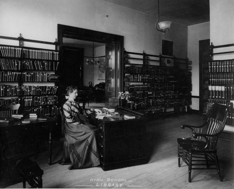 Independence, MO, High School library, ca. 1904