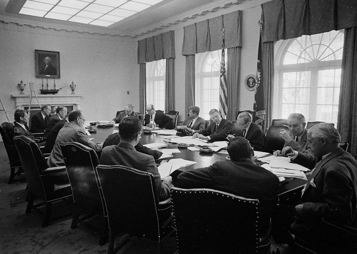 the n missile crisis at national archives in the white house cabinet room sorted through intelligence and advised the president during the n missile crisis kennedy library st a26 1 62