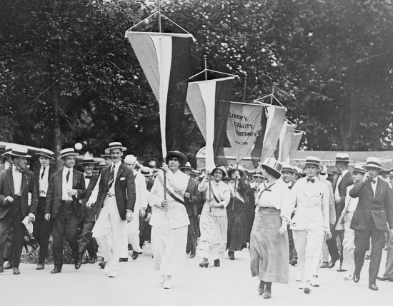 Marchers for woman suffrage
