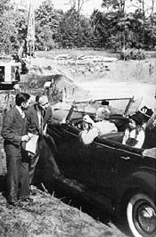 FDR visits library site
