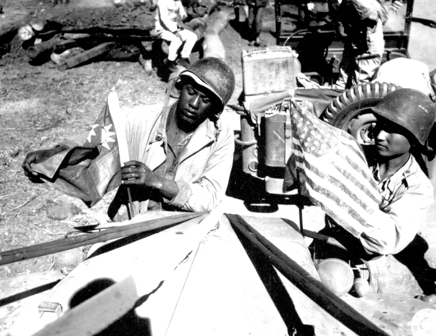 http://www.archives.gov/research/african-americans/ww2-pictures/images/african-americans-wwii-010.jpg