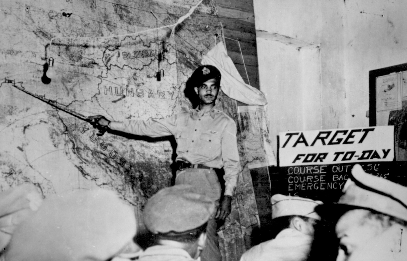 Pictures Of African Americans During World War Ii National Archives Vintage Air Gen Wiring Diagram Wwii 046