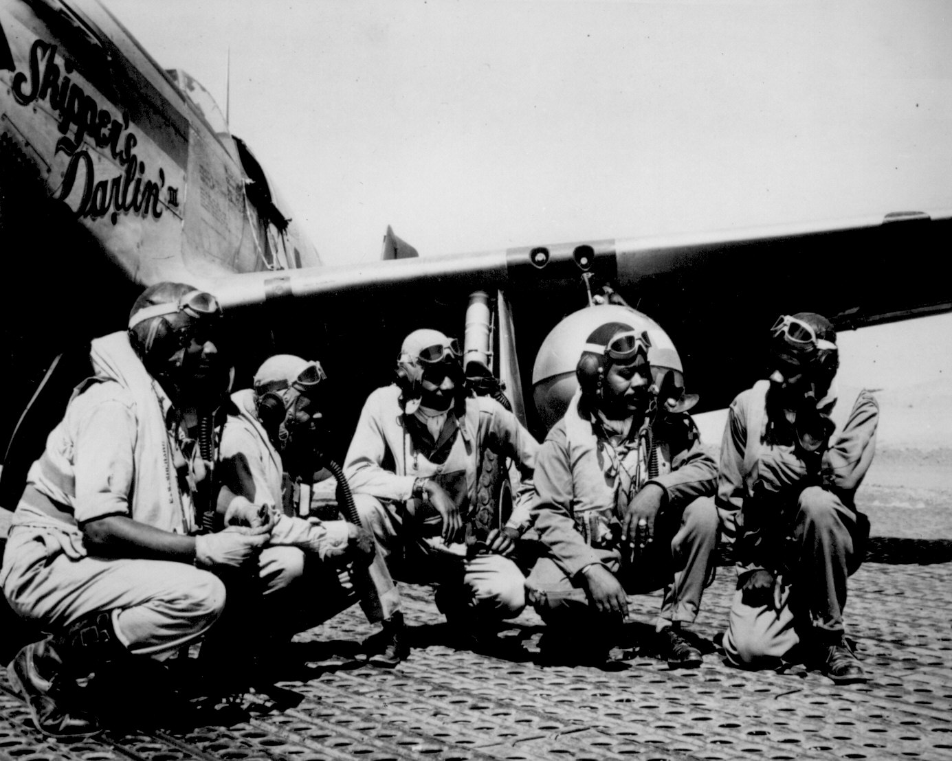 http://www.archives.gov/research/african-americans/ww2-pictures/images/african-americans-wwii-047.jpg