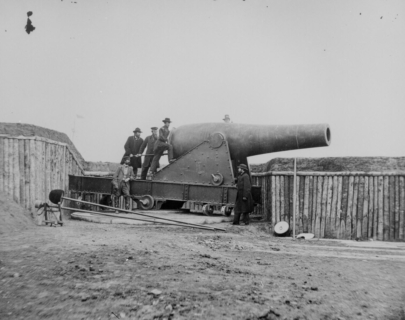 64. A 15-inch Rodman gun in Battery Rodgers, Alexandria, Va. 111-B-353.