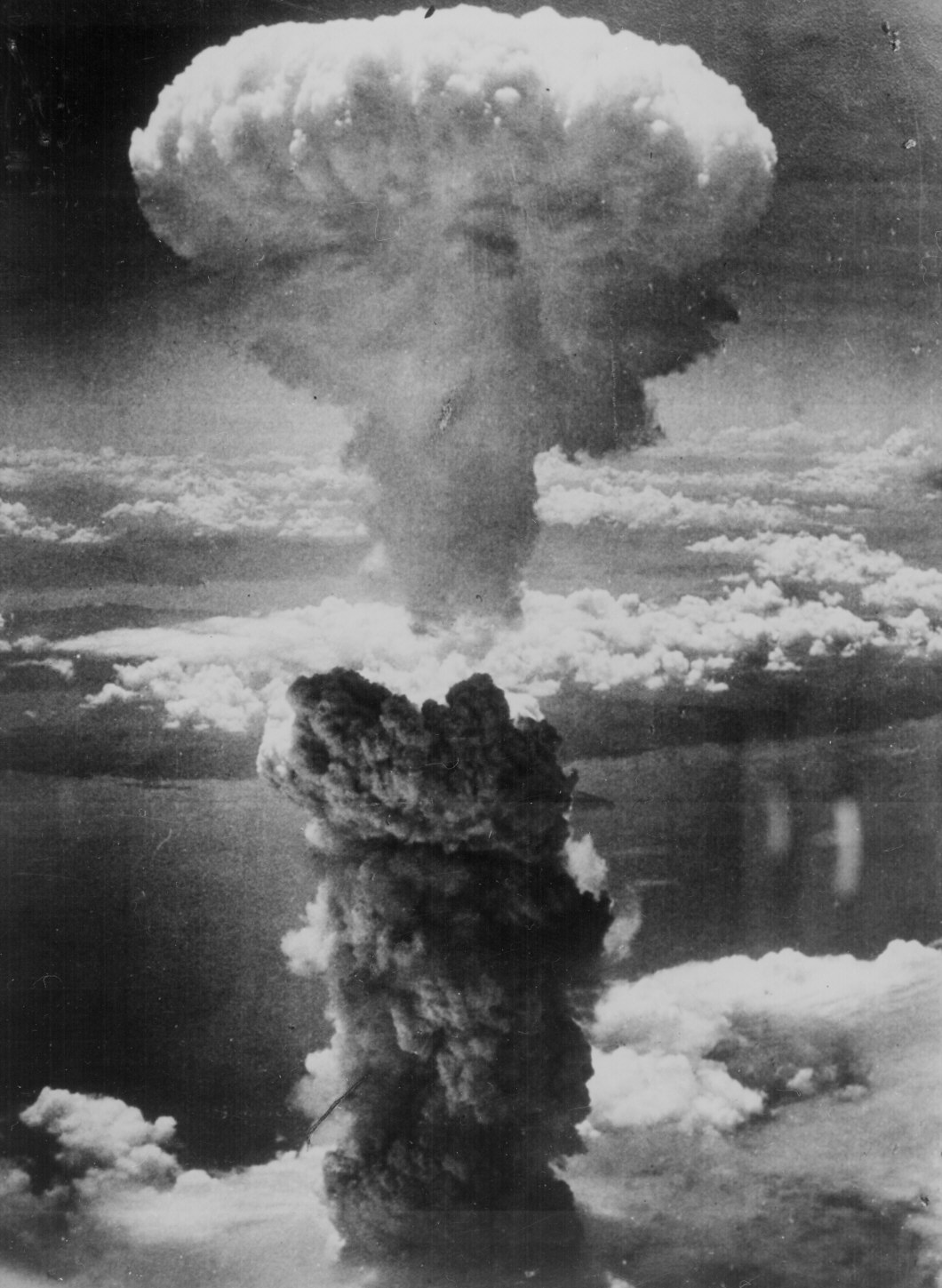the manhattan project and the atomic bomb article khan academy image courtesy national archives